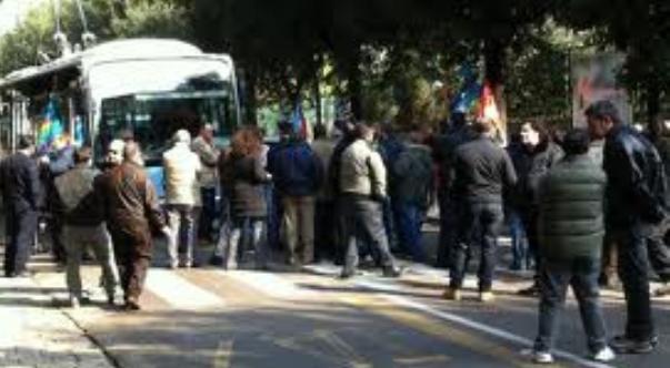 protesta operai e traffico