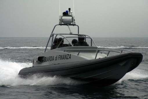 sezione-navale-guardia-di-finanza_146420[1]