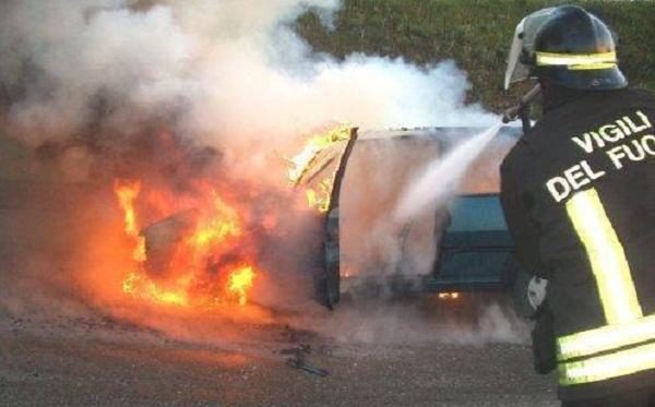 incendio auto