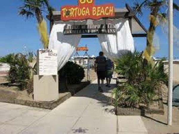 lido 'Tortuga beach'