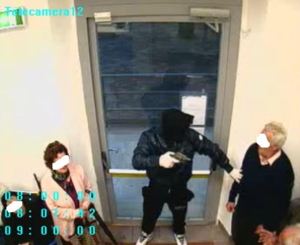 rapina ad ufficio postale