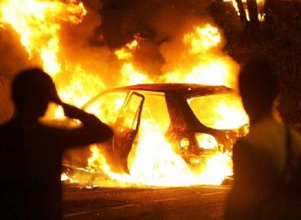 auto incendiata