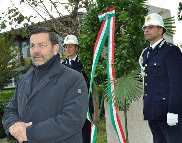 cerimonia commemorativa