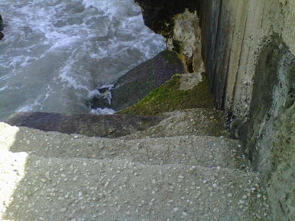 erosione  a Roca