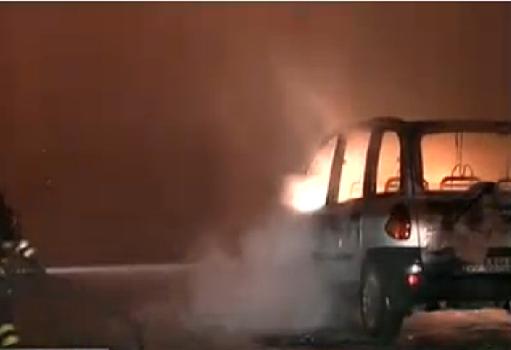 auto incendiata Carmiano