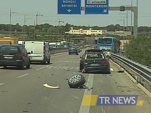 incidente in tangenziale a Lecce 1
