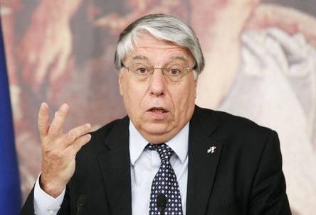 Fiore in testa agli alfaniani tanti sono pronti seguirci for Parlamentari italiani