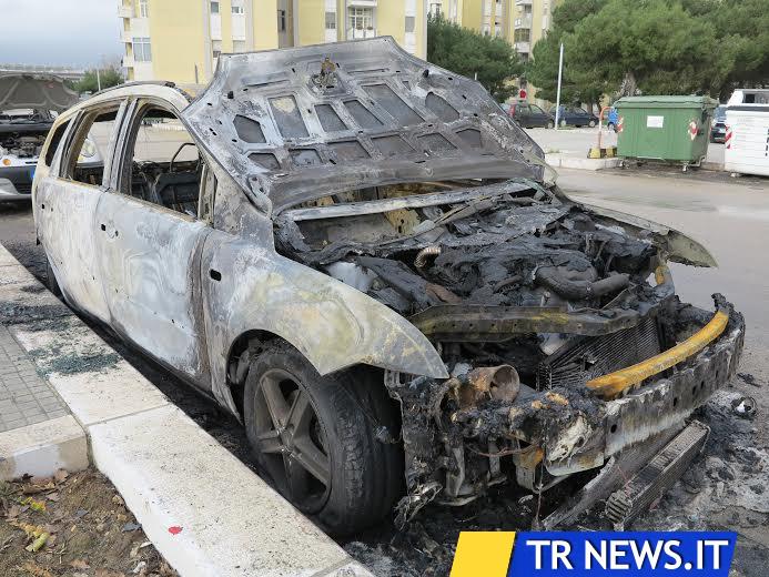 auto incendiata2