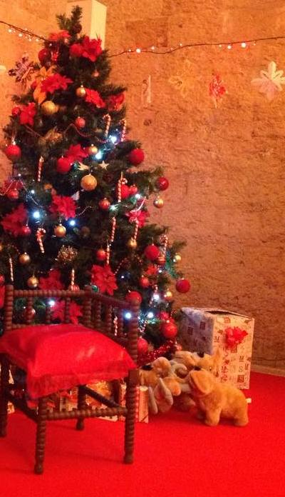 Foto Di Case Addobbate Per Natale.Natale Si Ricicla L Albero Sintetico Nel Salento Case Gia