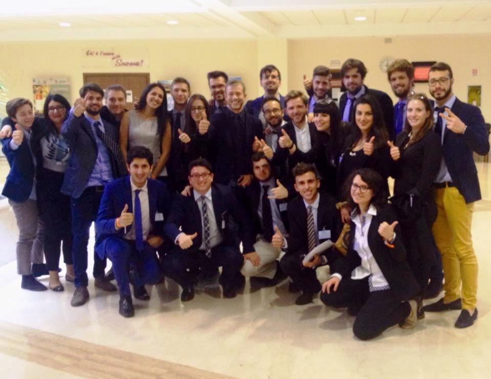 Parlamentari per quattro giorni 14 studenti si esercitano for Lavori parlamentari