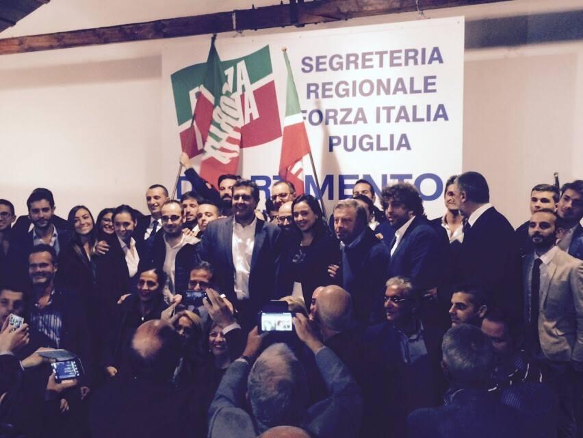 Toti via dal parlamento chi lascia forza italia for Presenze parlamento