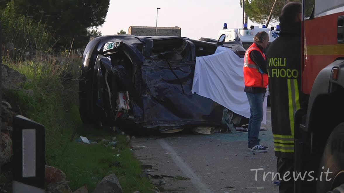 Schianto sulla collemeto galatina auto si ribalta muore for Galatina news cronaca