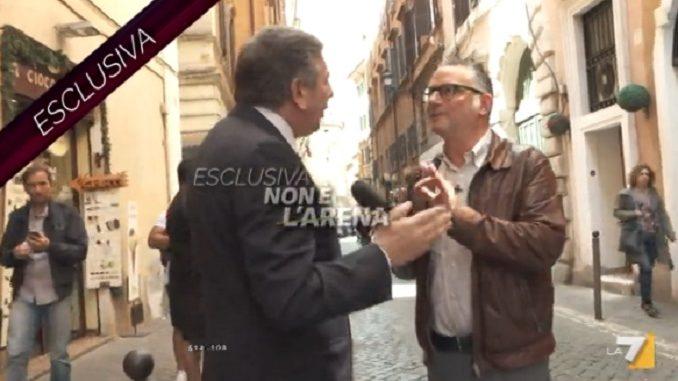 L'ex ministro Mario Landolfi mette ko il giornalista di Non è L'Arena