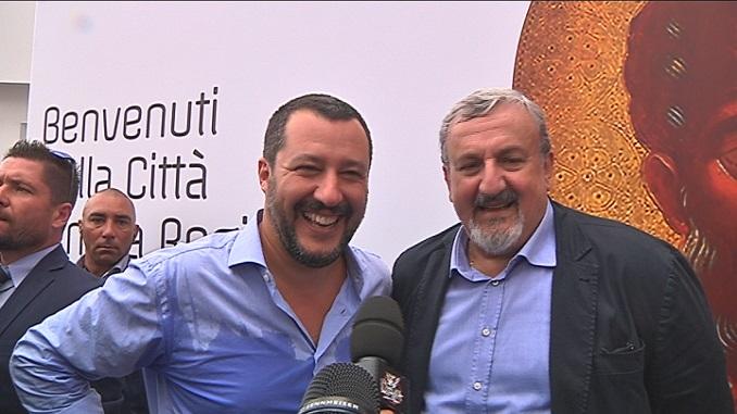Salvini ed Emiliano, prima le polemiche poi la tregua (sotto gli occhi di  San Nicola) | Telerama News