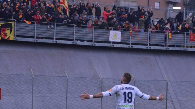 La Mantia dopo il gol, foto P. Pinto.