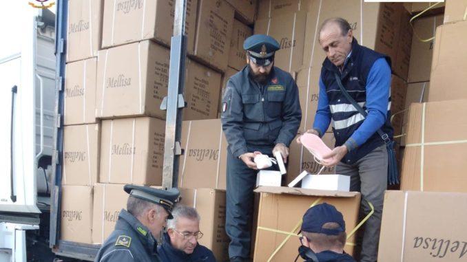 5fa3e2f146 Scarpe taroccate: maxi sequestro al porto | Telerama News