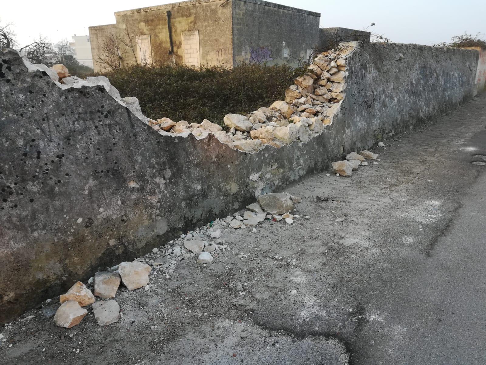 Muretti a secco distrutti: la segnalazione su dilloatelerama