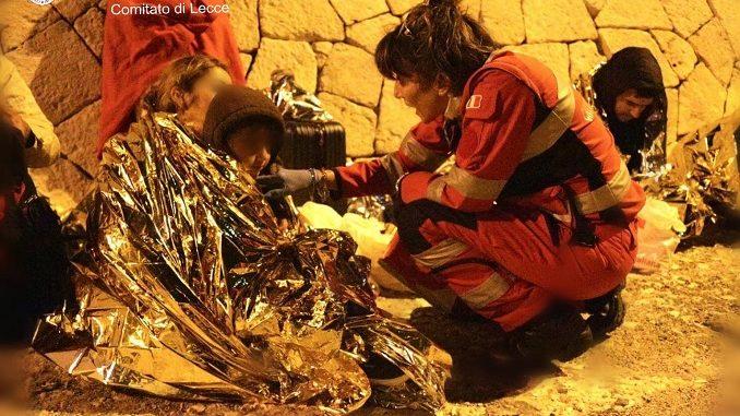 2 sbarchi in Salento, giunti 81 migranti - Ultima Ora